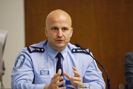 Helsingin poliisin rikoskomisario Marko Forssin mukaan juhannus sujui Hietaniemen tapausta lukuun ottamatta erittäin rauhallisesti.