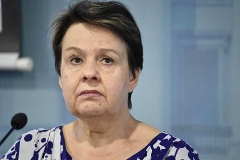 Sosiaali- ja terveysministeriön kansliapäällikkö Kirsi Varhila puhui ministeriön ja THL:n koronatilannekatsauksessa torstaina.