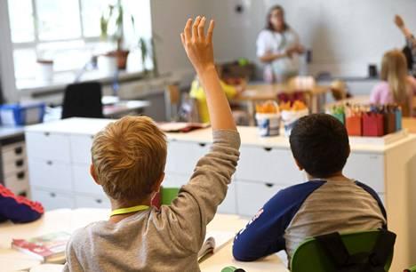 Helsingin johtajat painottavat, etteivät koulut ja päiväkodit edelleenkään ole merkittäviä tartuntapaikkoja.