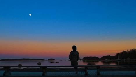 Moni löytää hiljaisuutta luonnosta.