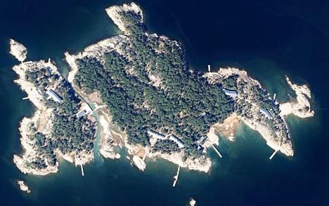 Ulkomaalaisten maaomistukset nousivat keskusteluun viikonloppuna, kun Krp teki laajat kotietsinnät Turun saaristossa.