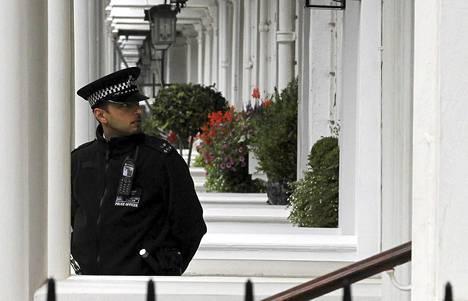 Lontoon poliisi tutkii Eva Rausingin murhaa.