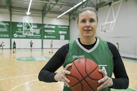 Kokenut Taru Tukkanen on Tapiolan Hongan ykköspelaaja.