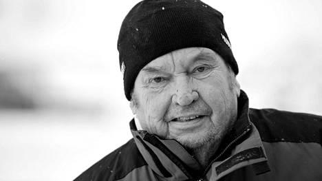 Paavo M Petäjä
