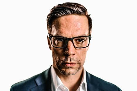 Valmentaja-elokuvan pääosaa esittää Mikko Nousiainen.