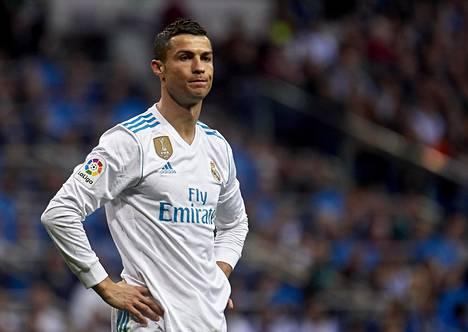 Cristiano Ronaldon otteet ovat herättäneet paljon kritiikkiä, eikä mies itsekään ole kovin tyytyväiseltä kentällä vaikuttanut.