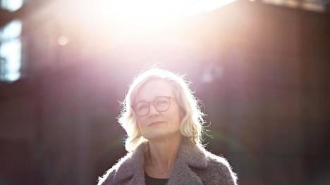 """""""Muutoksen johtamista tässä on oppinut. Ja sen, että muutos voi olla energisoivaa eikä sitä kannata pelätä"""", sanoo lauantaina 11. huhtikuuta 50 vuotta täyttävä Sanoma Media Finlandin toimitusjohtaja Pia Kalsta."""