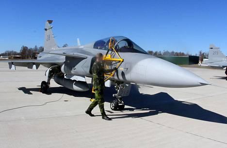 Ruotsin ilmavoimien Gripen-hävittäjä osallistui Naton harjoituksiin huhtikuun alussa Liettuassa.