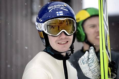 Harri Ollin suoritus hylättiin kauden ensimmäisessä henkilökohtaisessa maailmancupin kisassa sääntöjen vastaisen puvun takia.