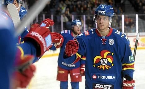Juhamatti Aaltonen syötti Bratislavaa vastaan kolme maalia.