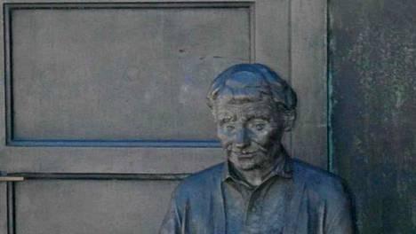 Astrid Lindgrenin patsas on Marie-Louise Ekmanin suunnittelema.