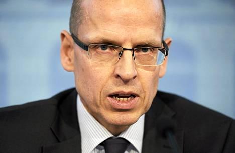 Valtiovarainministeriön valtiosihteeri Martti Hetemäki lupaa arvion talouden  säästötarpeesta torstaina.