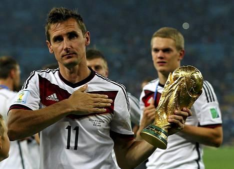 Miroslav Klosesta tuli kaikkien aikojen maalikuningas ja maailmanmestari.