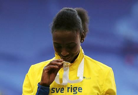 Abeba Aregawi voitti Ruotsille MM-kultaa 1 500 metrillä.