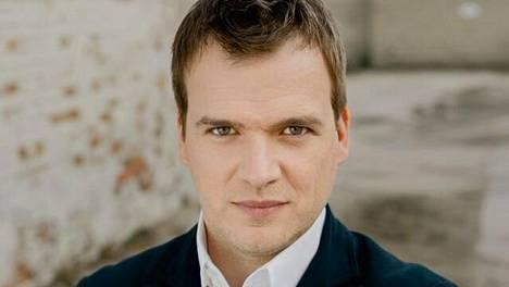 Kapellimestari Risto Joost johti energisesti ja tarkasti.