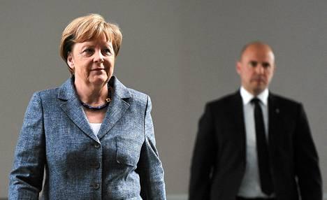 Saksan liittokansleri Angela Merkel saapui tiedotustilaisuuteen Berliinissä 2. kesäkuuta.