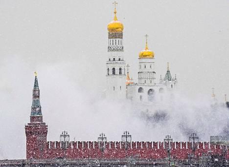 Lunta peitti Kremlinkin torstaina Moskovassa.