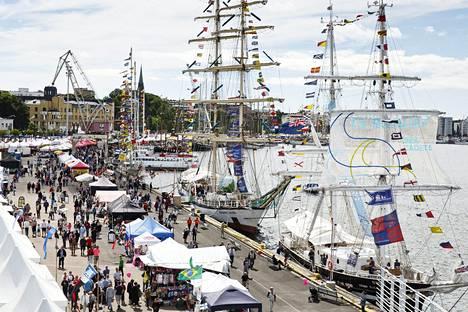Tall Ships Races -aluksia Kotkan Meripäivillä heinäkuussa 2017.