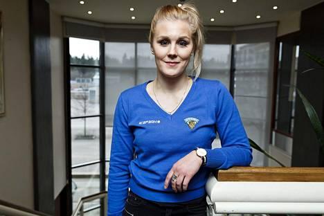 Meeri Räisänen pelasi Suomen maalilla välierässä.