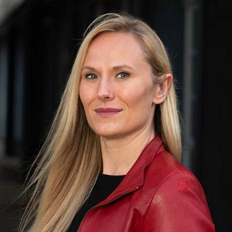 Kate Kirkpatrickin kirjoittamaa elämäkertaa ei ole vielä suomennettu.