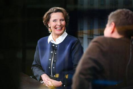 Ministeri Berner vieraili HSTV:n Studio Kulmapöydässä perjantaina.