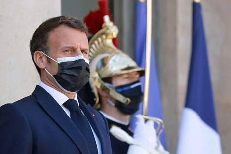 Presidentti Emmanuel Macron Élysée-palatsissa tiistaina.