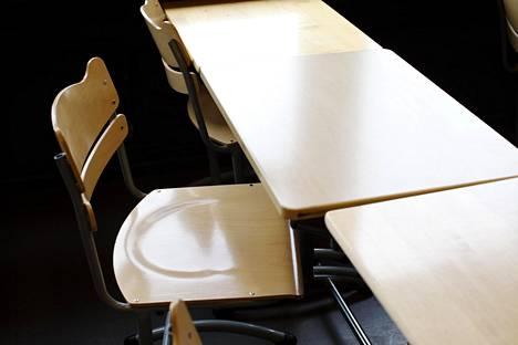 Lukiolaiset kertoivat HS:n kyselyssä jatkuvasta stressistä aiheutuneista uniongelmista, väsymyksestä sekä jatkuvista päänsäryistä.