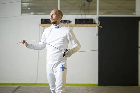 Suomen ykkösmiekkailija Niko Vuorinen kilpailee viikonloppuna Qatarin gp:ssä. Kuva on vuodelta 2016.