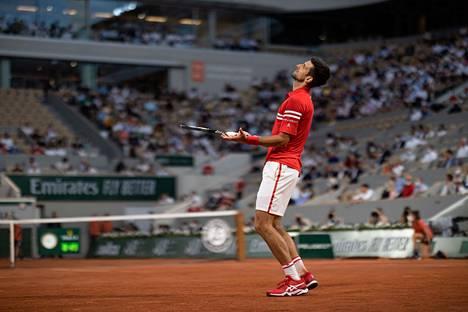 Novak Djokovic saa seuraavaksi vastaansa Rafael Nadalin, joka varmisti oman jatkopaikkansa niin ikään keskiviikkona.