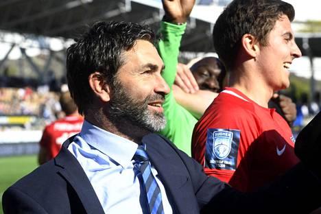 Interin päävalmentaja Fabrizio Piccareta juhli Töölön jalkapallostadionilla ensimmäistä mestaruuttaan päävalmentajana.