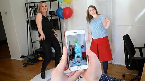 Anna Rosa Lappalainen (vas.) ja Emmi Jouslehto tavoittelevat yrityksillään miljardibisnestä.