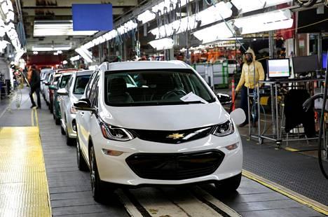 Autojätti GM ilmoitti maanantaina, että se sulkee Pohjois-Amerikassa kolme kokoonpanotehdasta.