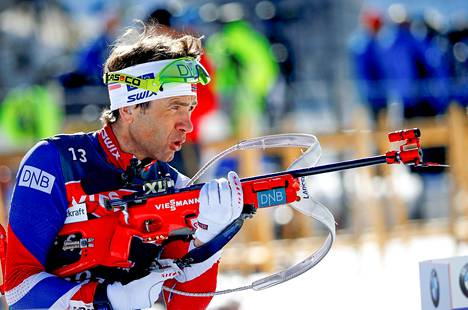 Ole Einar Bjørndalen viime talven MM-kisoissa Itävallan Hochfilzenissä.