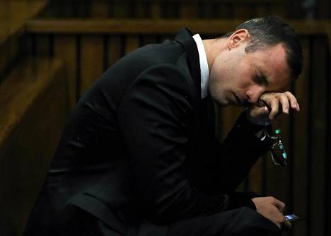 Oscar Pistorius on itkenyt useasti oikeudenkäynnin aikana.
