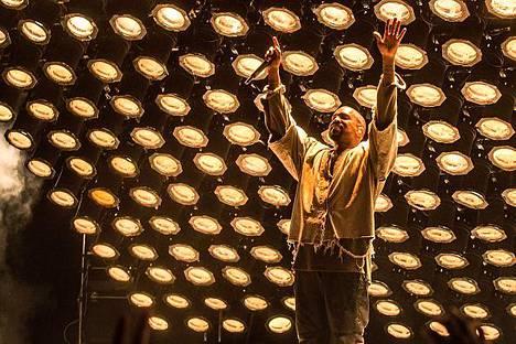 Kanye West esiintyi FYF-festivaalilla Los Angelesissa vuonna 2015. Netflix osti Westin elämästä kertovan dokumenttisarjan.