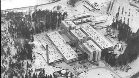 Jorvin sairaala kuvattuna tammikuussa 1976.