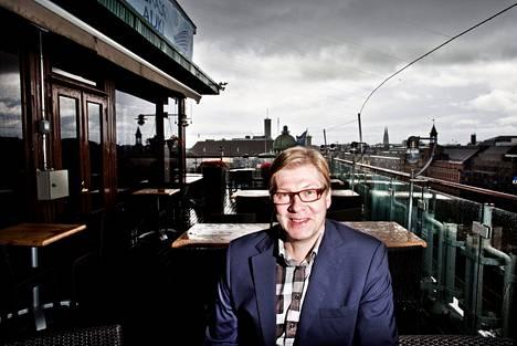 """Stefan Möllerin mukaan puheen osuus on radiossa lisääntynyt. """"Sitä kuulijat haluavat. Tarinan kertominen on todella tärkeää."""""""