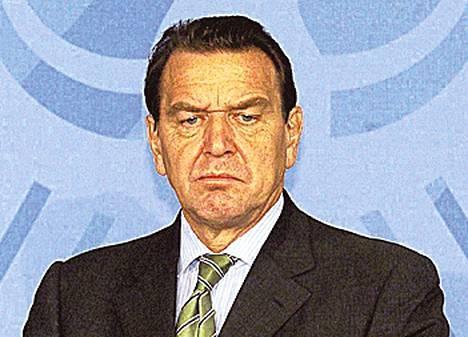 """Gerhard Schröder (Saksan liittokansleri 1998–2005) on onnistunut lyömään rahoiksi yhteiskuntasuhteillaan. Schröder valittiin Itämeren kaasuputkea rakentavan Nord Stream -yhtiön hallituksen puheenjohtajaksi heti kanslerin pestin päätyttyä. Kanslerina ollessaan Schröder ajoi putkihanketta. Yhdysvaltalaispoliitikko Tom Lantos kutsui Schröderiä """"poliittiseksi prostituoiduksi""""."""