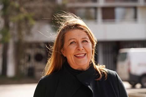 Professori Mari Vaattovaaran mielestä keskustan kehittämisessä pitäisi olla lähtökohtana ihmisen kokemus.
