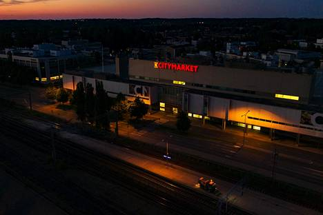 The K-Citymarket in Malmi is one of the places cleaned by a company exploiting its cleaners.