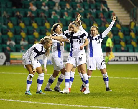 The winning goal by Amanda Rantanen (left) kicked off a wild party in Edinburgh.