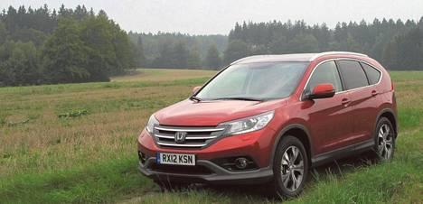 Uusi Honda CR-V on jämäkkä mutta särmätön.