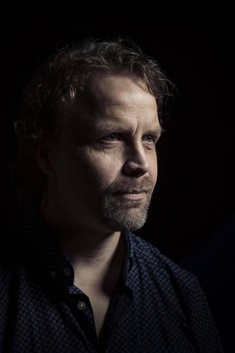 Jani Volanen toi myös omia kokemuksiaan ohjaamaansa M/S Romantic -minisarjaan.