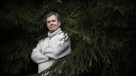 Alunperin Jarmo Heikkisestä piti tulla äidinkielenopettaja, mutta lausunta vei mukanaan.