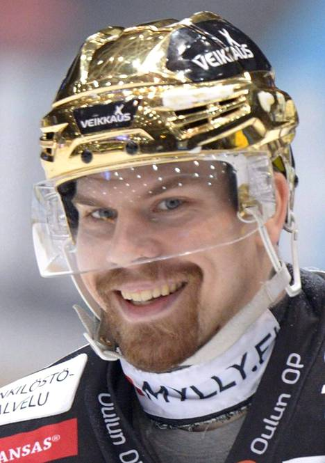 72 Joonas Donskoi, 23 vuotta, Oulun Kärpät, 181 cm / 88 kg. Raahelainen pelasi hienon loppukauden Liigassa, ja nousi oikeutetusti finaalien parhaana hyökkääjänä MM-kisoihin. Ensimmäisissä aikuisten kisoissa on hieno tilaisuus näyttää taitojaan.