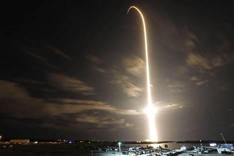 SpaceX:n Falcon 9 -raketti laukaistiin perjantaina Floridasta.