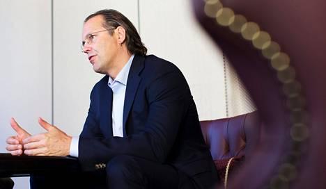Ruotsin entisen valtiovarainministerin Anders Borgin mielestä Suomen talous on käännekohdassa, eikä uudistuksia voi enää lykätä. Hän pitää yhteiskuntasopimuksen kaatumista hyvin huolestuttavana.