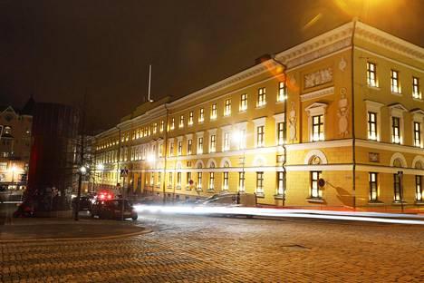 Pääesikunta ja puolustusministeriö toimivat Helsingin Kaartinkaupungissa.