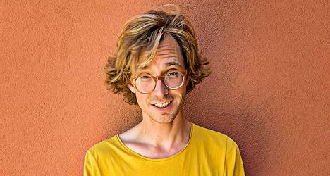 Erlend Øye julkaisee kaksi uutta levyä.