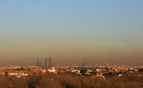 Savusumua Madridin yllä keskiviikkona
